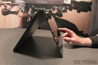 Lenovo IdeaPad YOGA - ноутбук-планшет на базе Win8