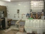 Підпільний горілчаний «заводик» працював у бувшому корівнику