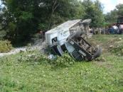 На Вінниччині вантажівка вбила трьох пішоходів, засипавши їх щебенем