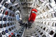 """В Германии есть две 60 метровые башни где """"живут"""" автомобили"""