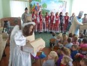 Фонд Порошенка поїхав у вінницькі села вітати малечу з новорічними святами