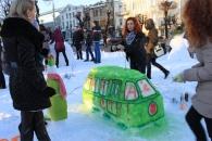 Фоторепортаж з параду сніговиків