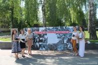 Вінницькій студенти роздавали перехожим паперові «журавлики» у пам'ять про загиблих солдат