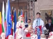 """На столичному Дні Європи вінничани запалили діамантові зорі у """"24 carats"""""""