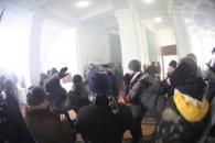 У Вінниці мітингувальники захопили приміщення обласної державної адміністрації