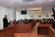 Що робити студенту у Вінниці: навчатись та приймати участь у мирних демонстраціях чи вступати у радикально налаштовані ряди?!