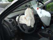 Внаслідок лобового зіткнення автомобілів Volkswagen та SsangYong одна людина загинула та двоє у лікарні