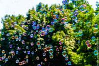 Свято мильних бульбашок: яскраві розваги для малечі