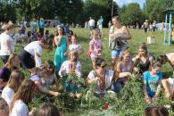 Біля Вишенського озера на Івана Купала влаштували фестиваль народних звичаїв, змагались у конкурсах та смакували варениками