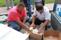 Зібрану за три дні вінничанами допомогу на 30 тис. грн. для українських військових сьогодні відправлять на Схід