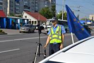 Манекеном «Вадимом» вінницькі даівці лякають водіїв і змушують швиденько згадати ПДР