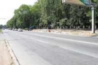 На Хмельницькому шосе біля 1-ї лікарні влаштовують «кишеню» для зупинки громадського транспорту