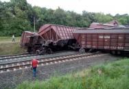 Під Вінницею зійшов з рейок вантажний потяг, перекинулися 11 вагонів