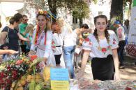У День міста вінничани об'єднались від малого до великого, щоб допомогти нашим військовим та вимушеним переселенцям