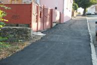 Сьогодні комунальники завершують капітальний ремонт тротуару на вулиці Театральній