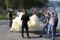 Приборкувати розлючених футбольних фанатів вчились вінницькі міліціонери
