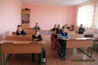 Стрижавська школа отримала губернаторські меблі