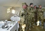 Чи готова армія до зими? Перевіряє Порошенко