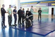 Міліція навчала громадських активістів Вінниці заходам фізичного впливу та правилам поводження зі зброєю