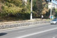 До кінця місяця будівельники відремонтують підпірні стінки по вулиці Київській