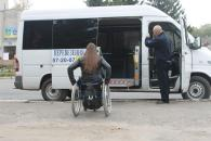 Службу перевезення людей на візках у Вінниці відзначили як бренд