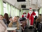 Діти-переселенці із зони АТО побували на новорічній екскурсії Вінницею