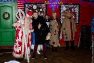 У день закриття Резиденції вінницького Діда Мороза його «зіркові колеги» отримали дипломи