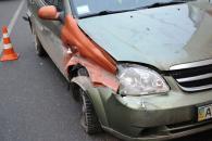 """У Вінниці на 30-річчя Перемоги водій автомобіля """"Chevrolet"""" в'їхав у відбійник, а потім у """"ГАЗель"""""""