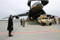В Україну прибула нова партія американських бронеавтомобілів HMMWV
