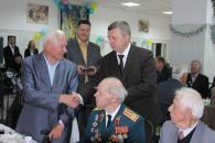 Вінницькі правоохоронці частували ветеранів Другої світової війни солдатською кашею