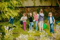 Маленькі вінничани вчаться доглядати за рослинами на площі Європейській