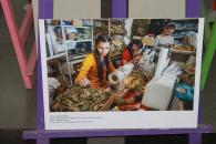 У холі міської ради відкрилась фотовиставка «Жінки і конфлікт в Україні»