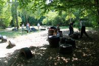 На інклюзивному дитячому майданчику облаштовують автомобіль, дракона та столик для майстер-класів
