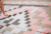 Вінницька молодь розмалювала частину набережної в українські візерунки