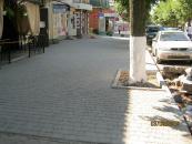 По вулиці Хлібній, біля парку, відремонтовано тротуар та облаштовано пандуси