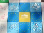 Кілька сотень вінничан долучилося до створення велетенського панно «Українські візерунки»