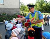 Працівники ДАІ провели урок з правил безпеки на дорозі для вихованців Стрижавського дитсадка