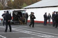 """На Вінниччині правоохоронці знешкоджували умовну бомбу на виборчій дільниці та заспокоювали """"розгніваних виборців"""""""