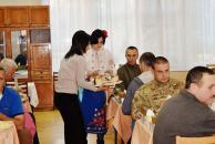 Вінницька молодіжна рада відвідала бійців АТО у День захисника України