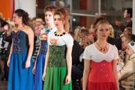 Другий день Вінницьких днів моди: відомі пані, комфортна готика та зграя лис