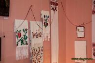 Вінничан запрошують на виставку народної вишивки Донеччини