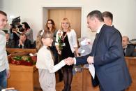 Вінницьким родинам, у яких на Новий рік та Різдво народилися діти, подарували коляски