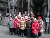 Поліцейські показали школярам із Калинівки, як у Вінниці виробляють соки
