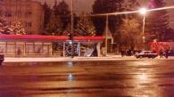 """Вчора на вул. Пирогова позашляховик """"Мерседес"""" """"зніс"""" зупинку громадського транспорту"""