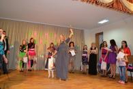 На родинному балу «Весняні красуні» для мам та доньок перемогли Марія та Олена Мельник