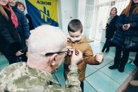 Маленькому вінничанину, який переміг хворобу вручили медаль за мужність
