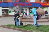 Вінничани долучились до всеукраїнської екологічної акції  «Посади Дерево миру»