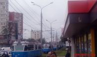 На вул. Пирогова припаркований на колії позашляхових з російськими номерами на годину зупинив рух трамваїв
