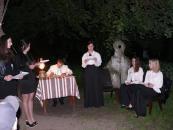 В садибі М. Коцюбинського студенти показали присутнім театральну композицію «Музи Коцюбинського»