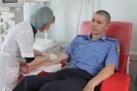 У День Донора вінницькі правоохоронці здали кров для хворих